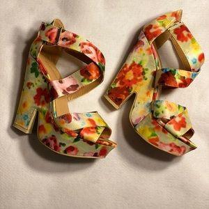 Colorful, flowery, strappy sandals + platform, sz7